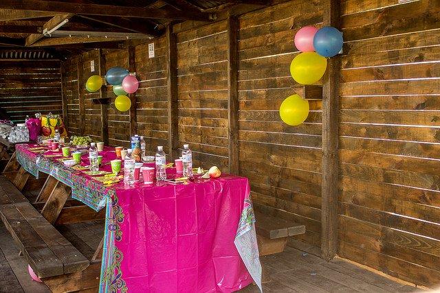 Комфортные палатки для празднования Дня рождения в Харькове в клубе Экстремал