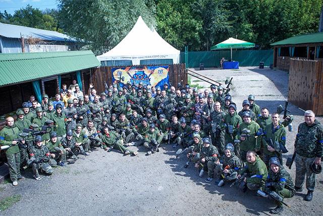 Пейнтбол на природе, активный отдых на природе, пейнтбол в Харькове, пейнтбольный маркер, форма для пейнтбола