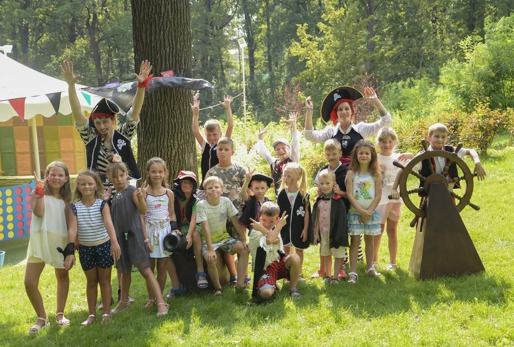 Детский праздник для класса на выпускной в Харькове от развлекательного комплекса Extremal