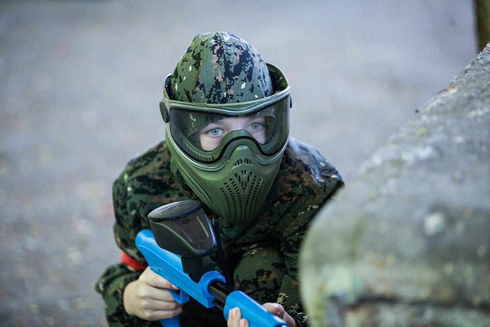 Для игры в детский Пейнтбол используется Термальная маска с полной защитой головы